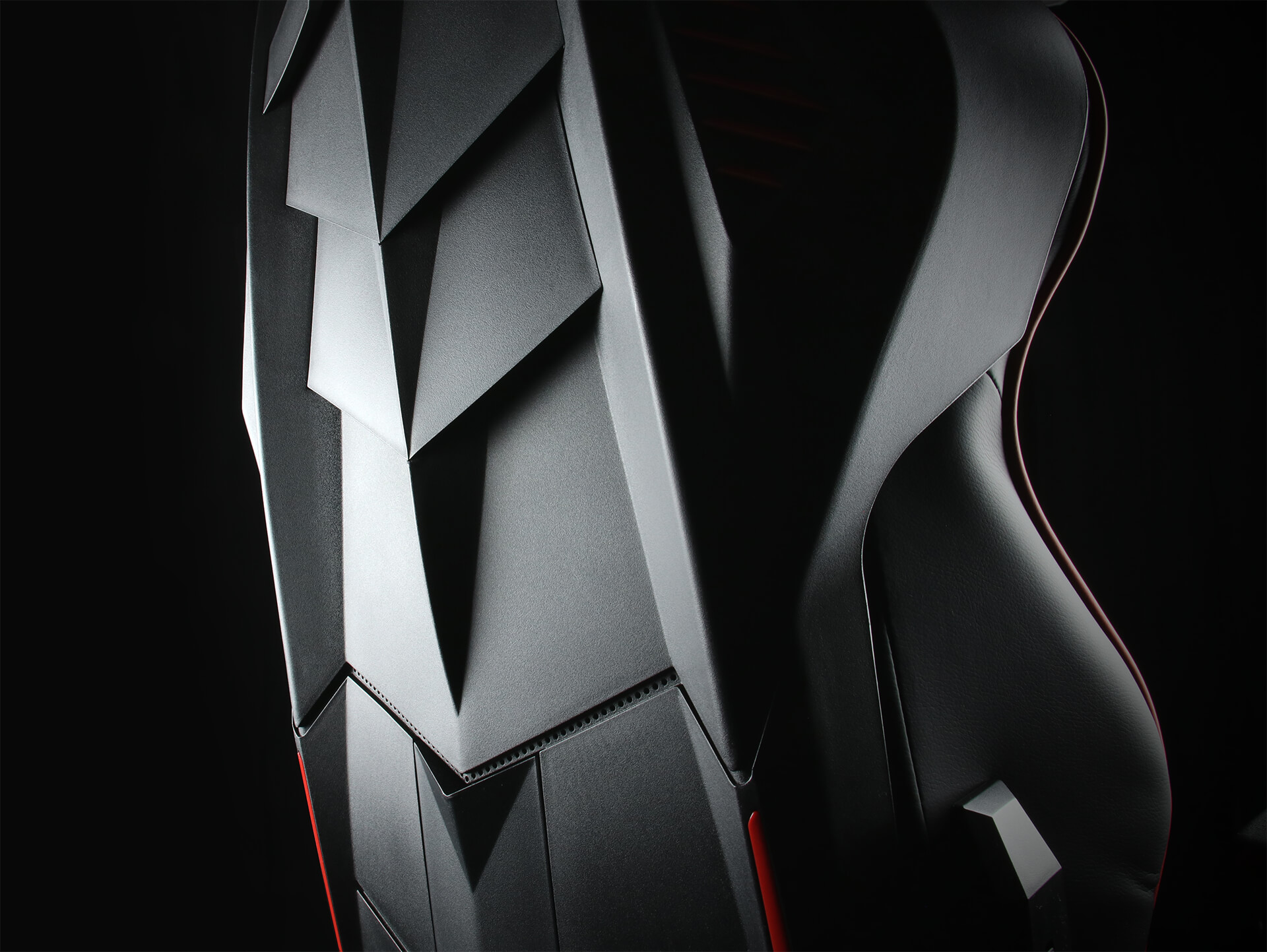 Baksiden av Red and Black Racing Shield